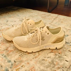 UA sneakers size 6.5
